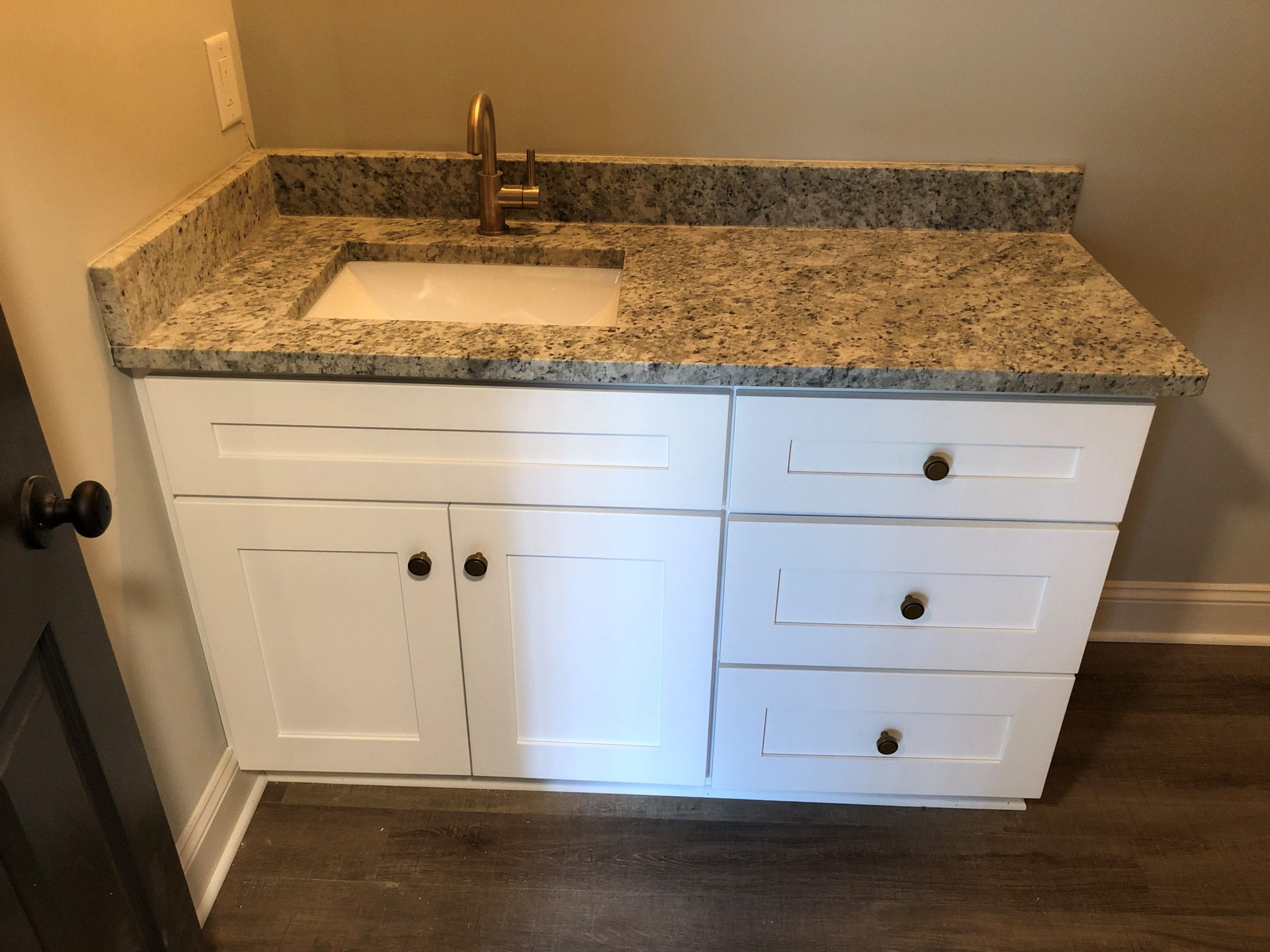 Bathroom Cabinet Suwannee